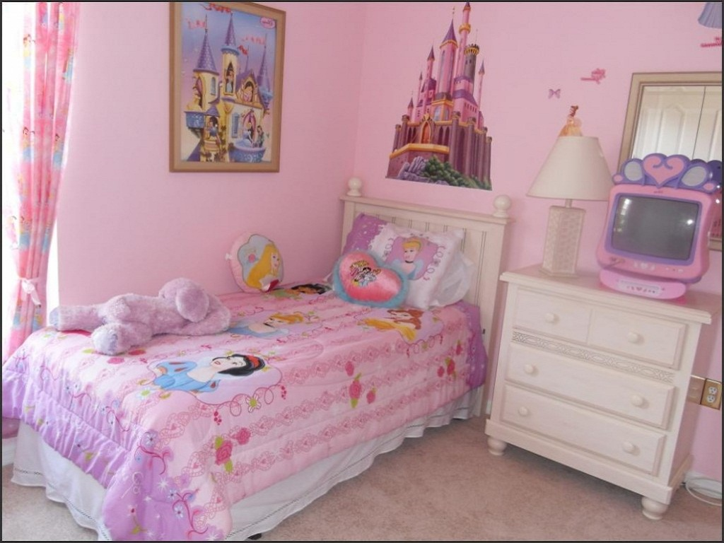 Image of: Toddler Girl Bedroom Ideas for Small Rooms