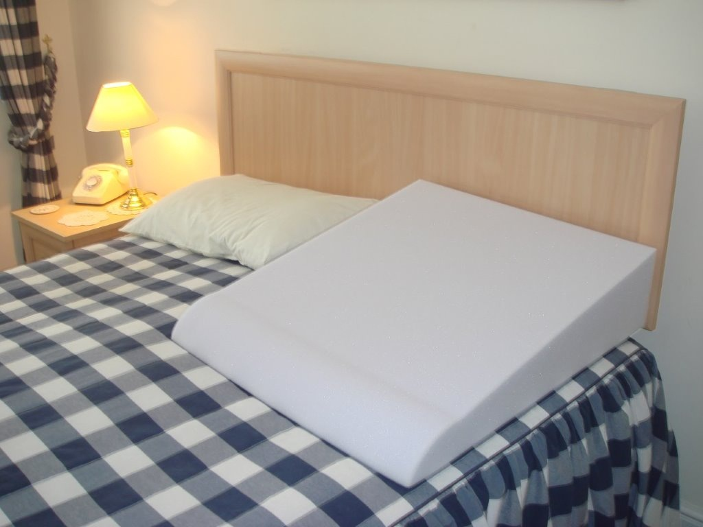 Image of: Bed Wedge Pillow Covers
