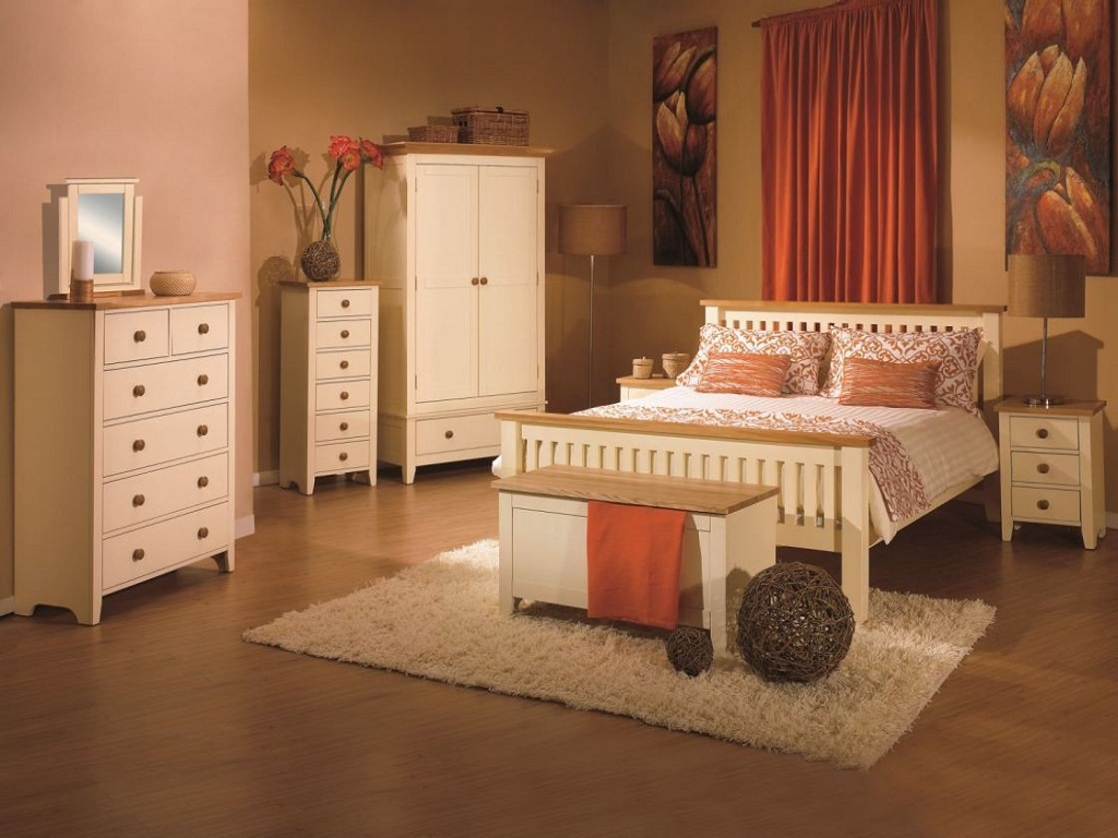 Image of: Bedroom Furnitures Placement Ideas