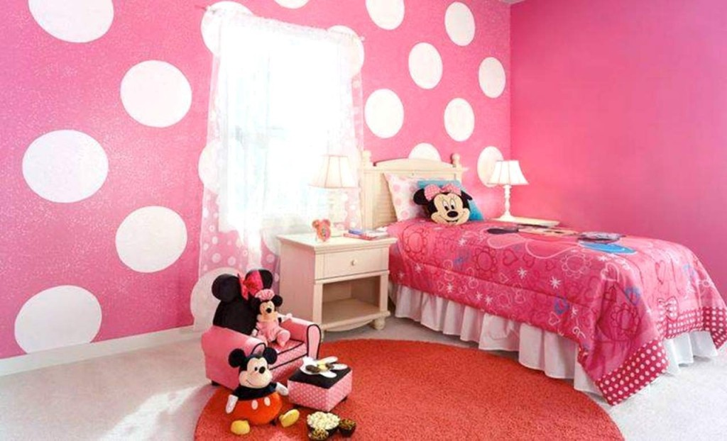 Image of: Minnie Mouse Bedroom Furniture Set