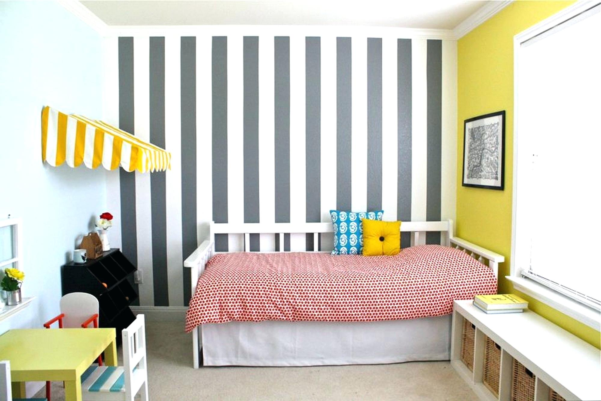 Image of: Very Small Bedroom Paint Ideas