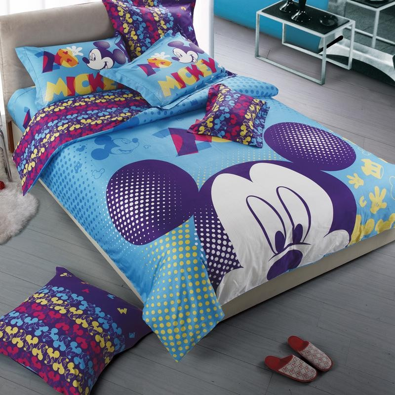 Image of: Mickey Mouse Bedding Set