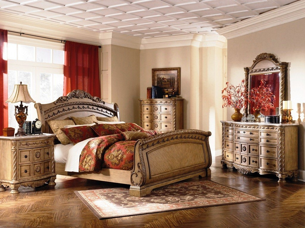 Image of: North Shore Sleigh Bedroom Se