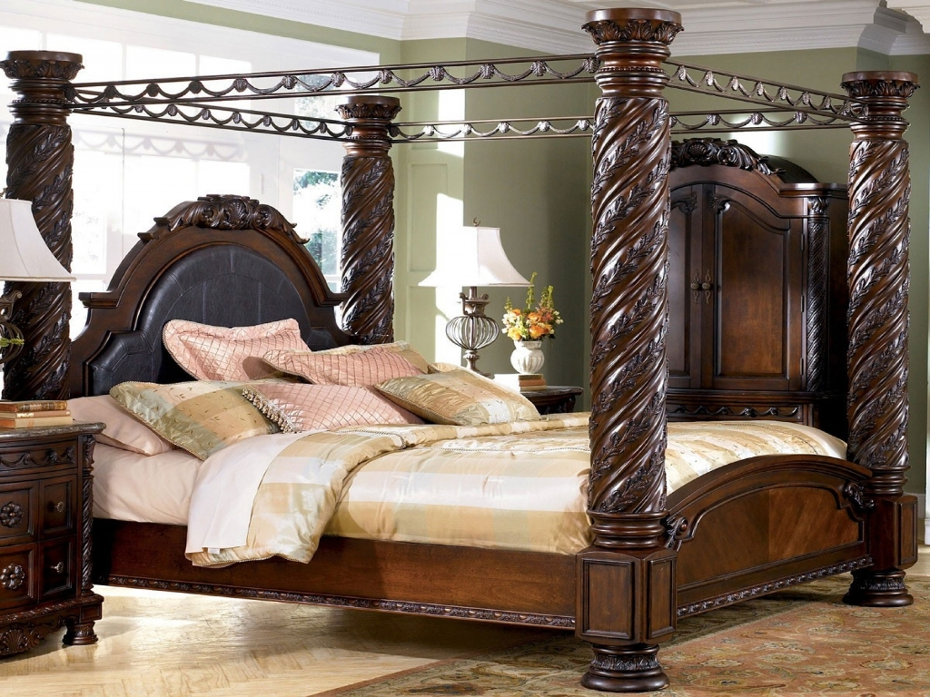 Image of: North Shore Sleigh Bedroom Set Review