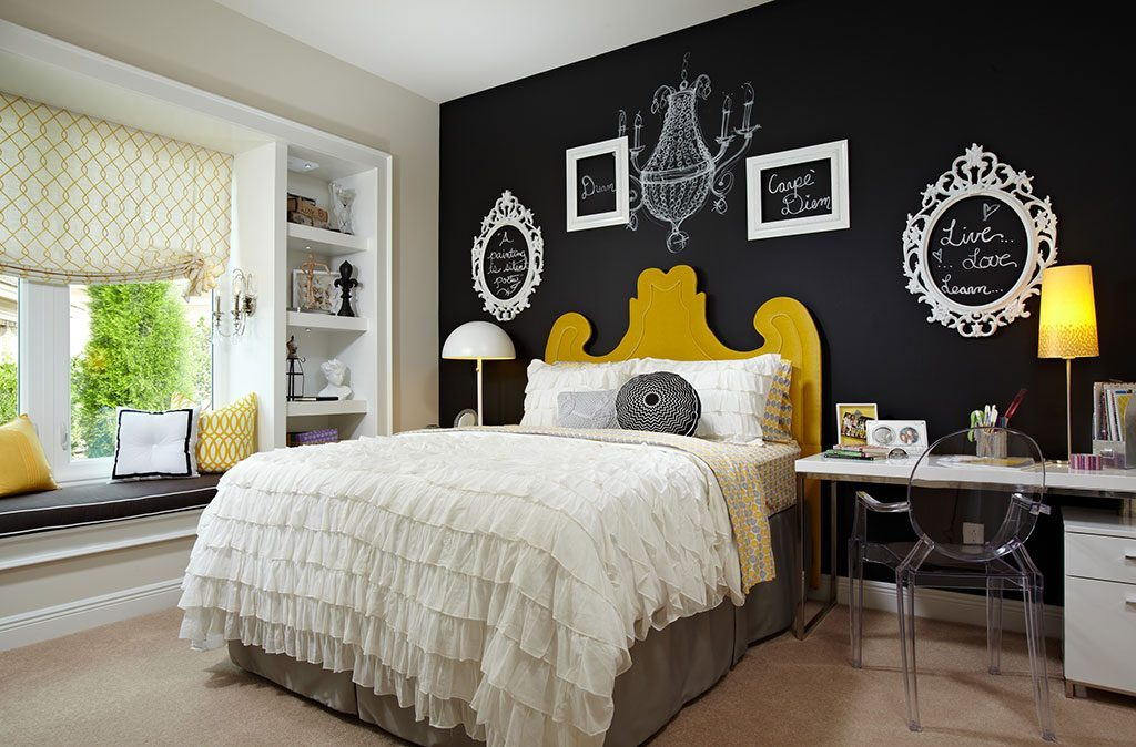 Image of: Accent Wall Bedroom Wallpaper