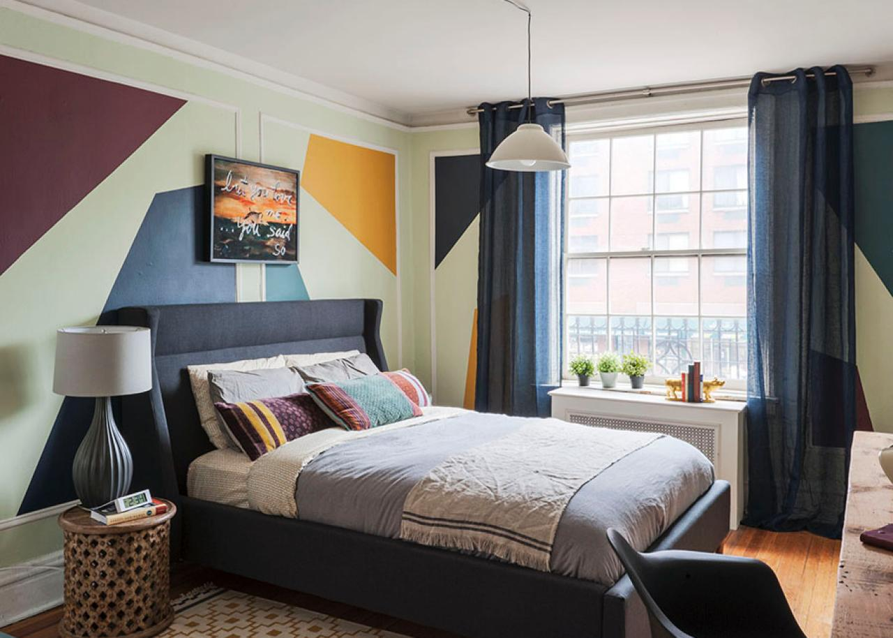 Image of: Arranging Bedroom Furniture In A Small Room