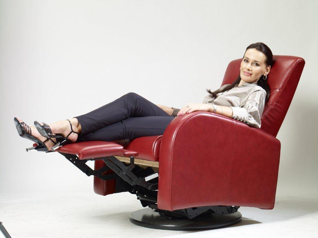 Image of: Best Swivel Recliner Chairs