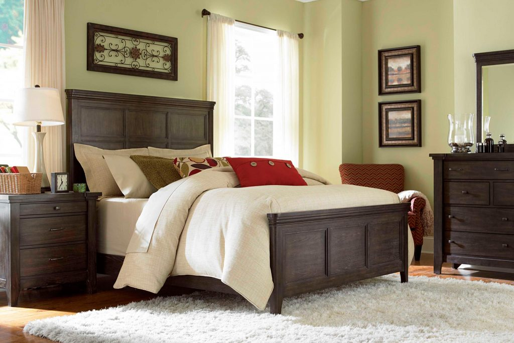 Image of: Broyhill Bedroom Furniture Canada