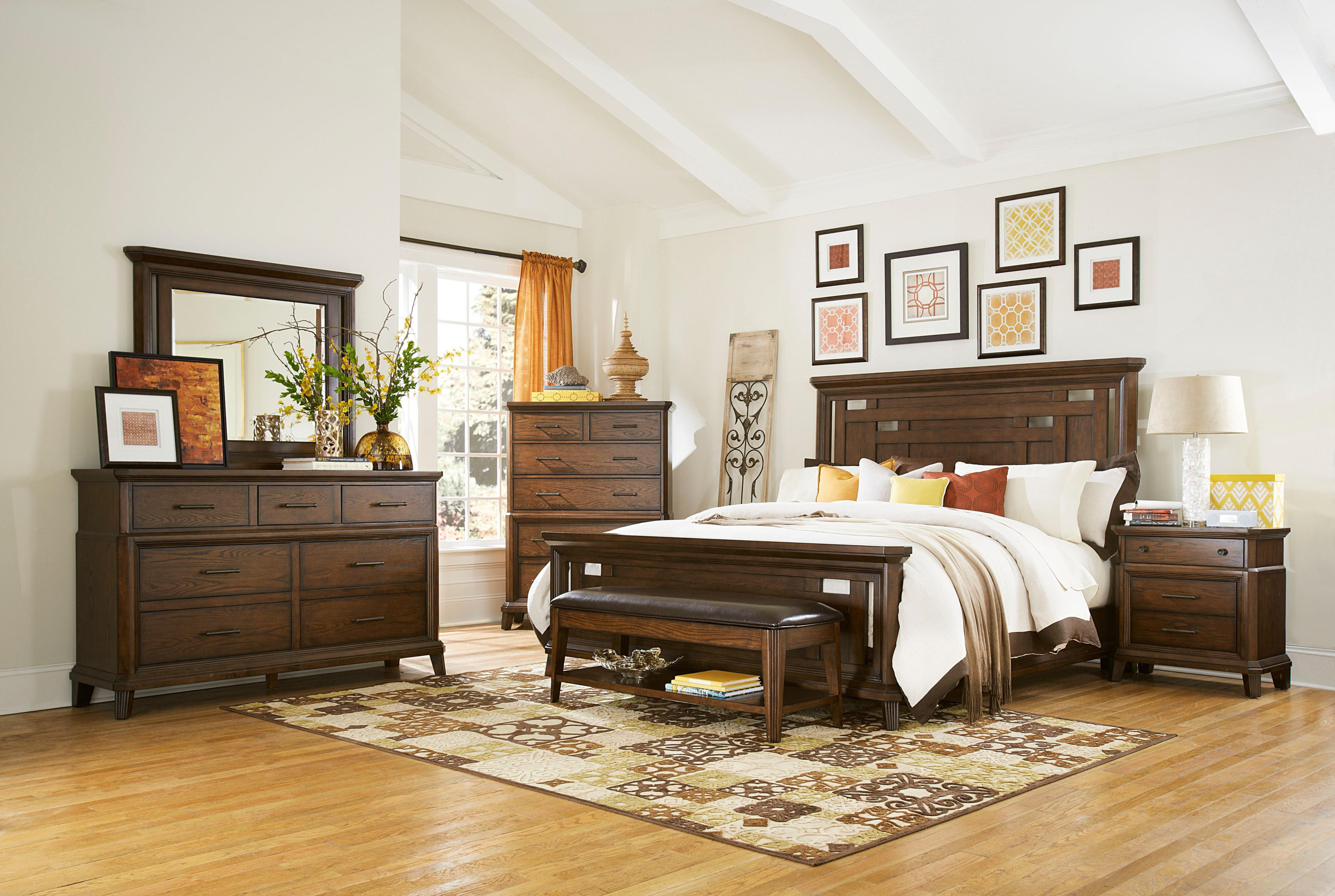 Image of: Broyhill Bedroom Furniture White