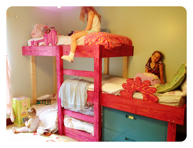 Image of: Bunk Beds For Toddlers With Stairs