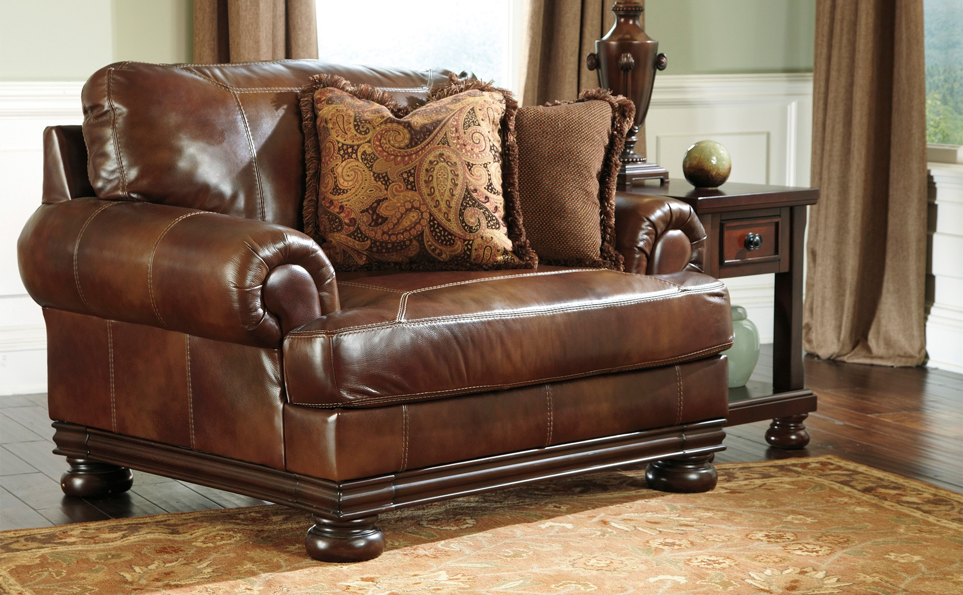 Image of: Simple Chair and a Half Recliner Leather