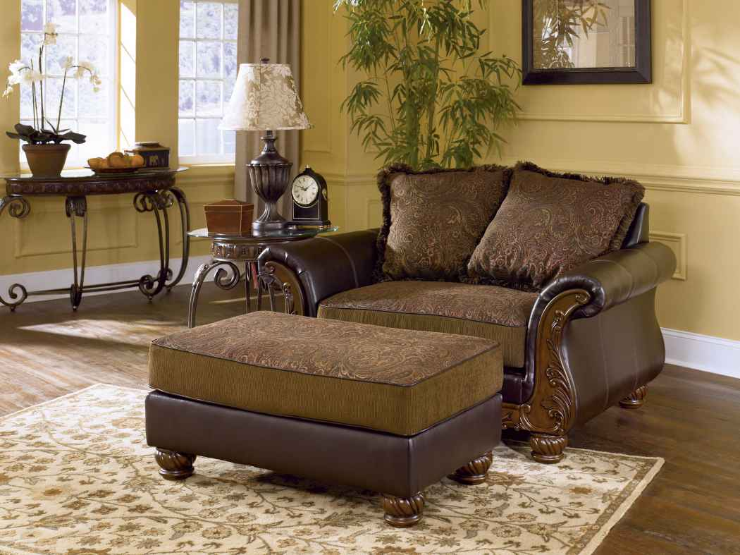 Image of: Chair and a Half Recliner with Pillow