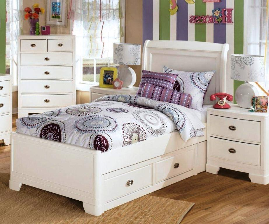 Image of: Charming Twin Bedroom Sets For Girls