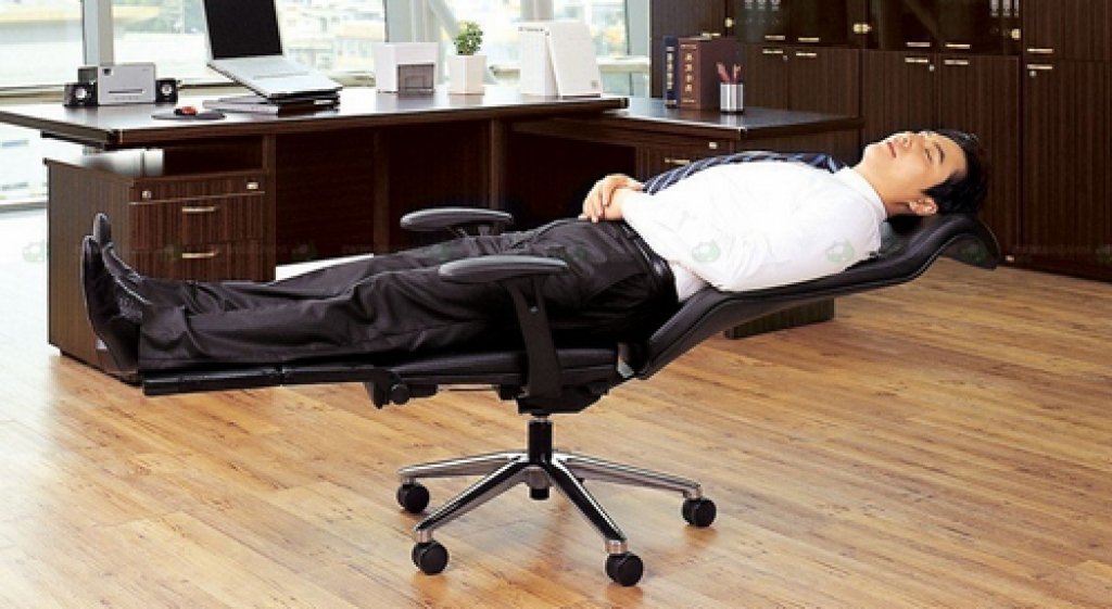 Image of: Cozy Reclining Desk Chair