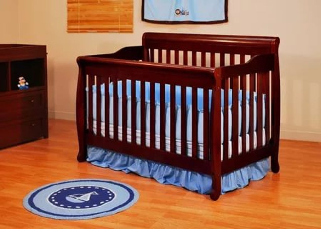 Image of: Cribs That Convert Into Twin Beds