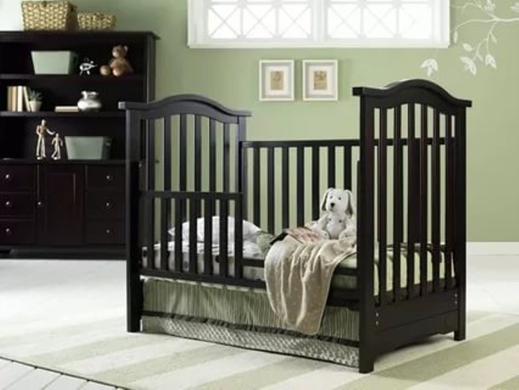 Image of: Cribs That Convert To A Twin Bed