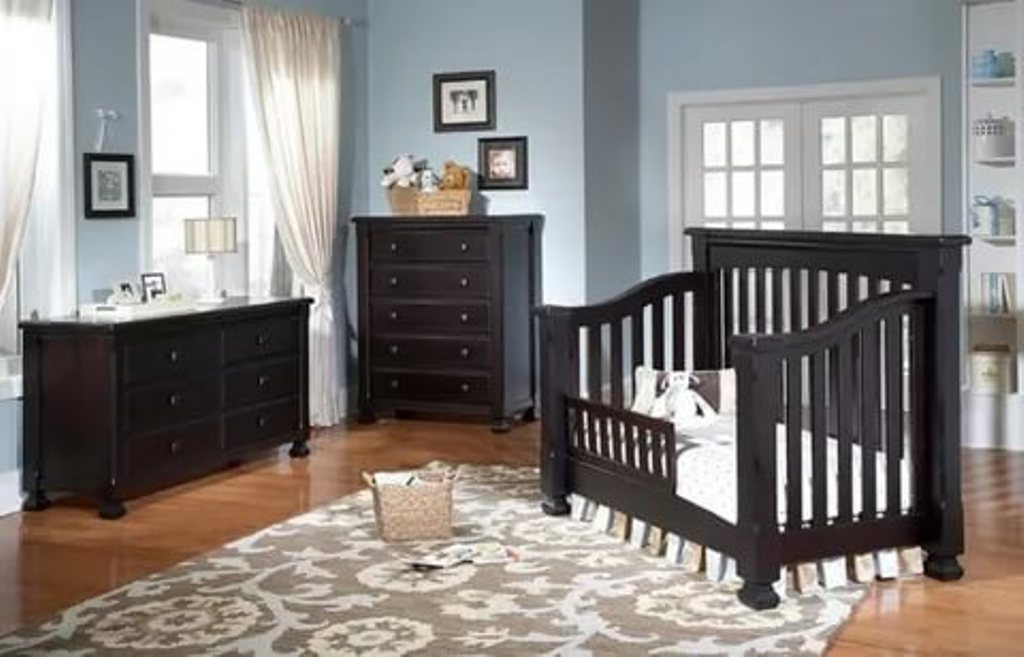 Image of: Cribs That Convert To Queen Bed