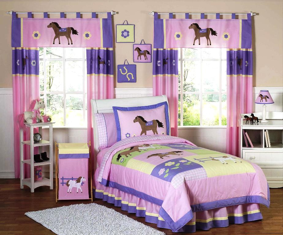 Image of: Cute Twin Bedroom Sets For Girls