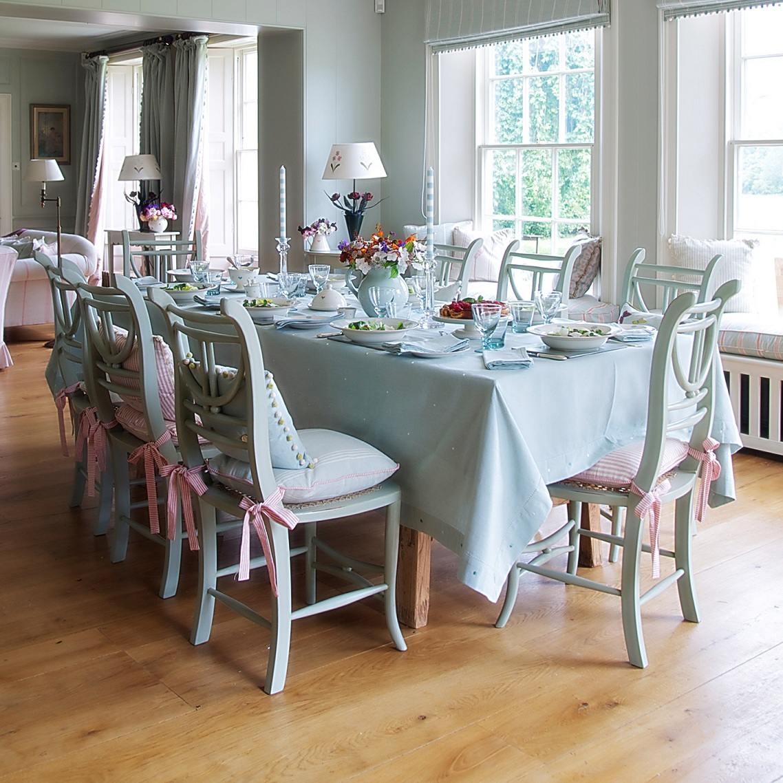 Image of: Dining Chair Cushions with Ties Decor