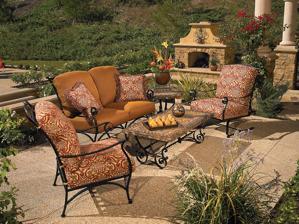 Image of: Dining Wrought Iron Patio Furniture Sets