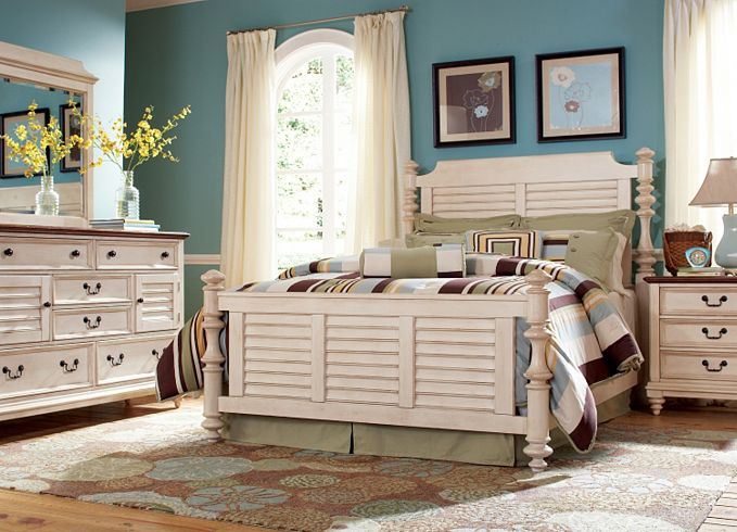 Image of: Distressed White Washed Bedroom Furniture