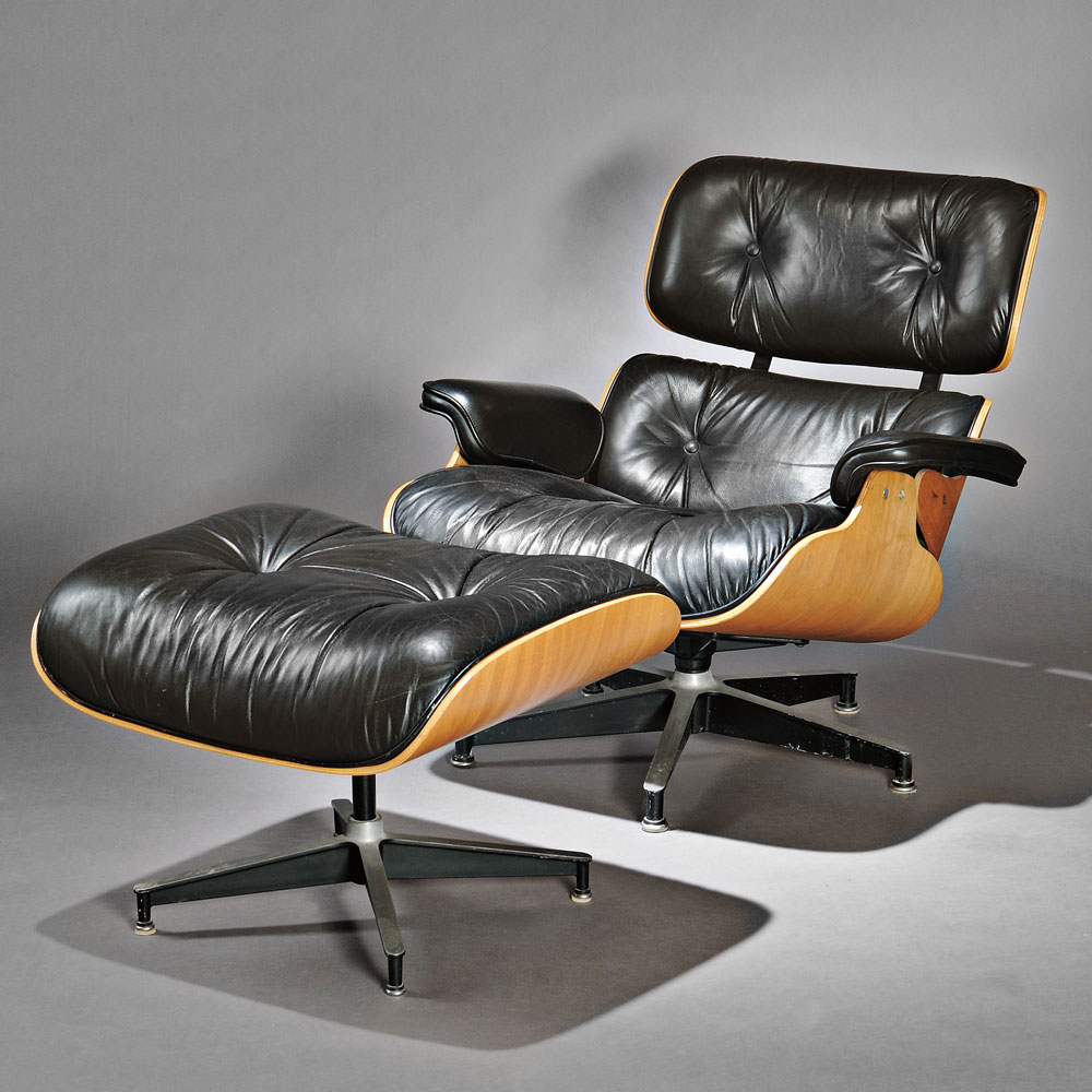 Image of: Eames Lounge Chair and Ottoman Black