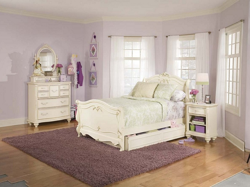 Image of: Ethan Allen Bedroom Furniture Sets Discontinued