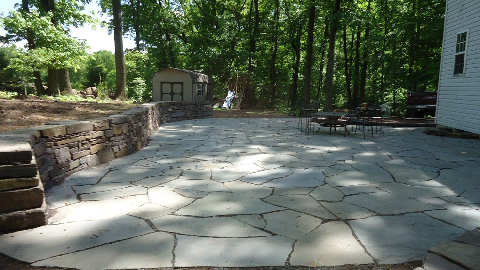 Image of: Flagstone Patio Pattern