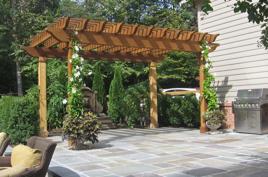 Image of: Flagstone Patio with Pergola