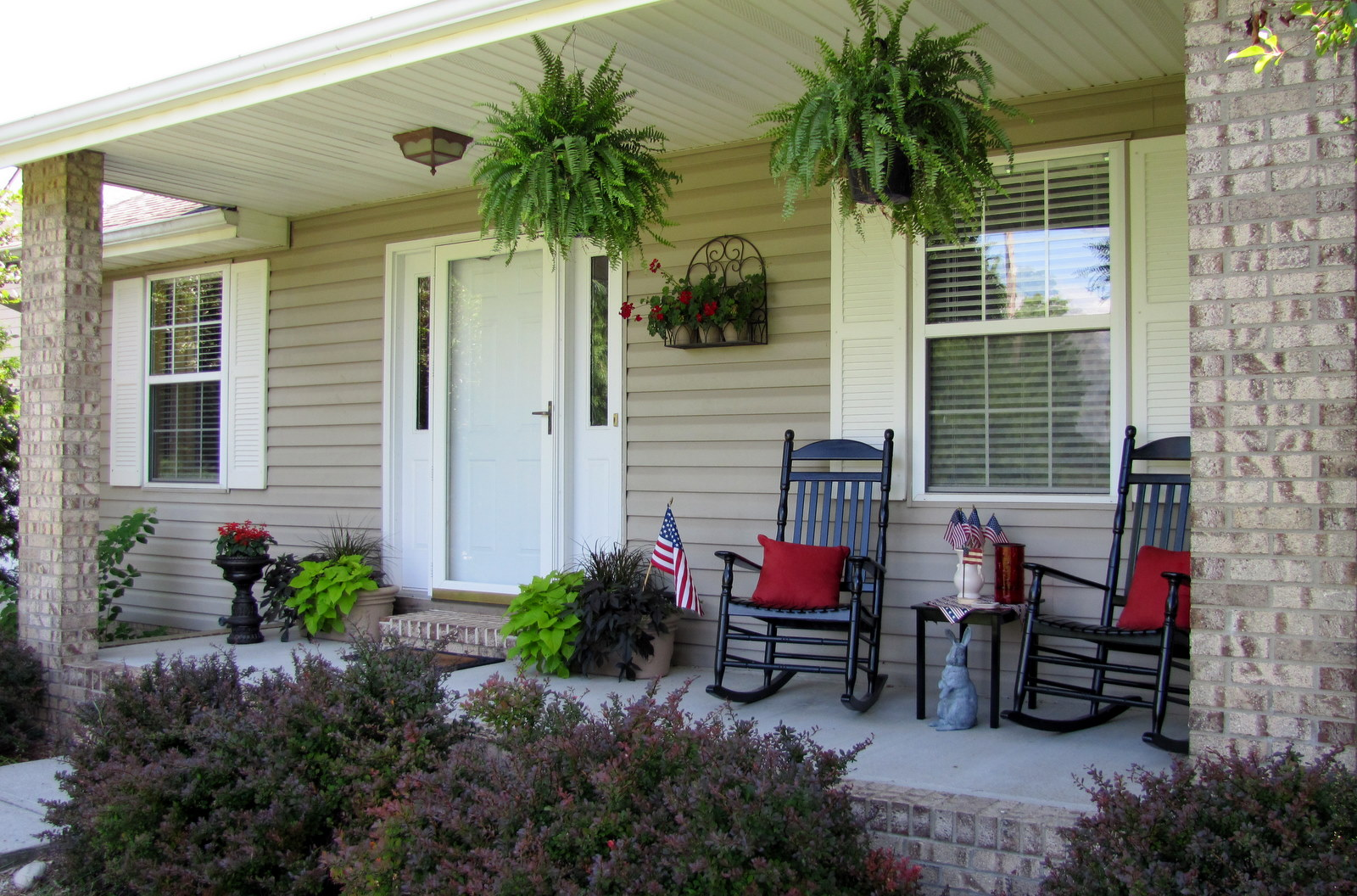 Image of: Front Porch Rocking Chairs Design