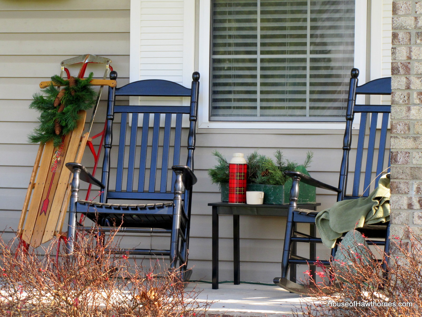 Image of: Front Porch Rocking Chairs Ideas