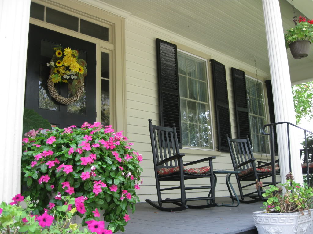 Image of: Front Porch Rocking Chairs Style