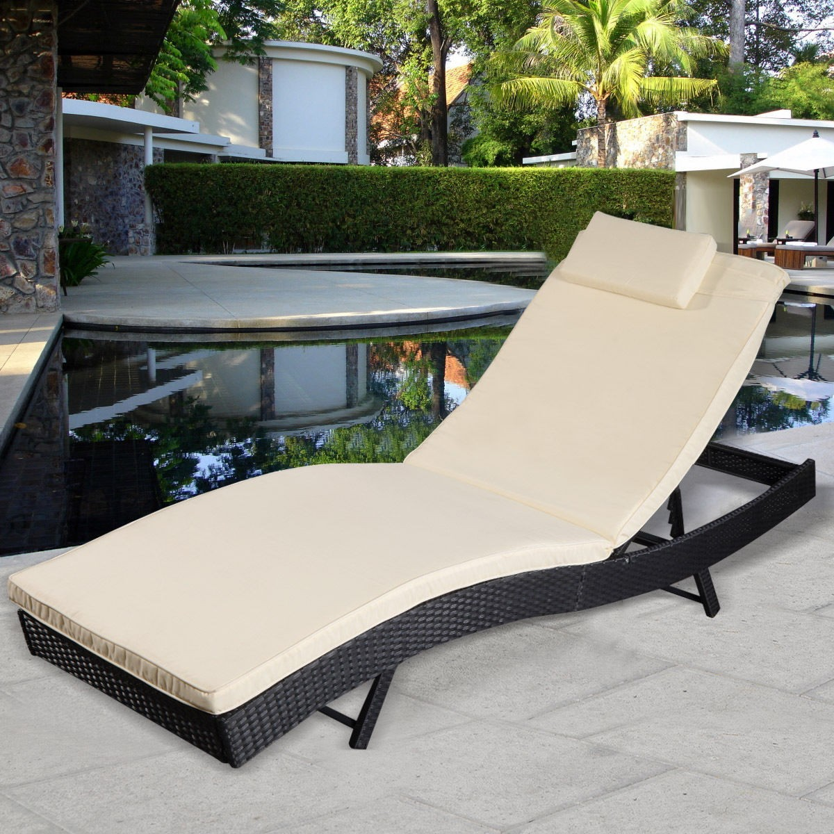 Image of: Good Pool Chaise Lounge Chairs