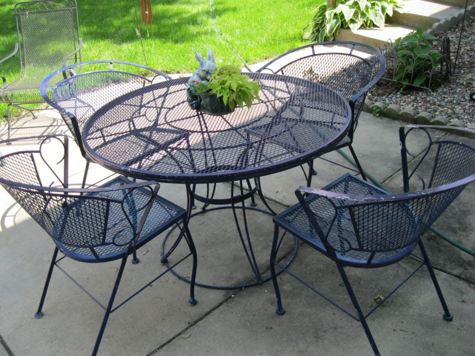 Image of: Ideas Wrought Iron Patio Furniture Sets