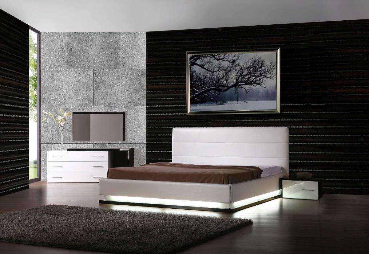 Image of: Lorezo contemporary platform bed with lights