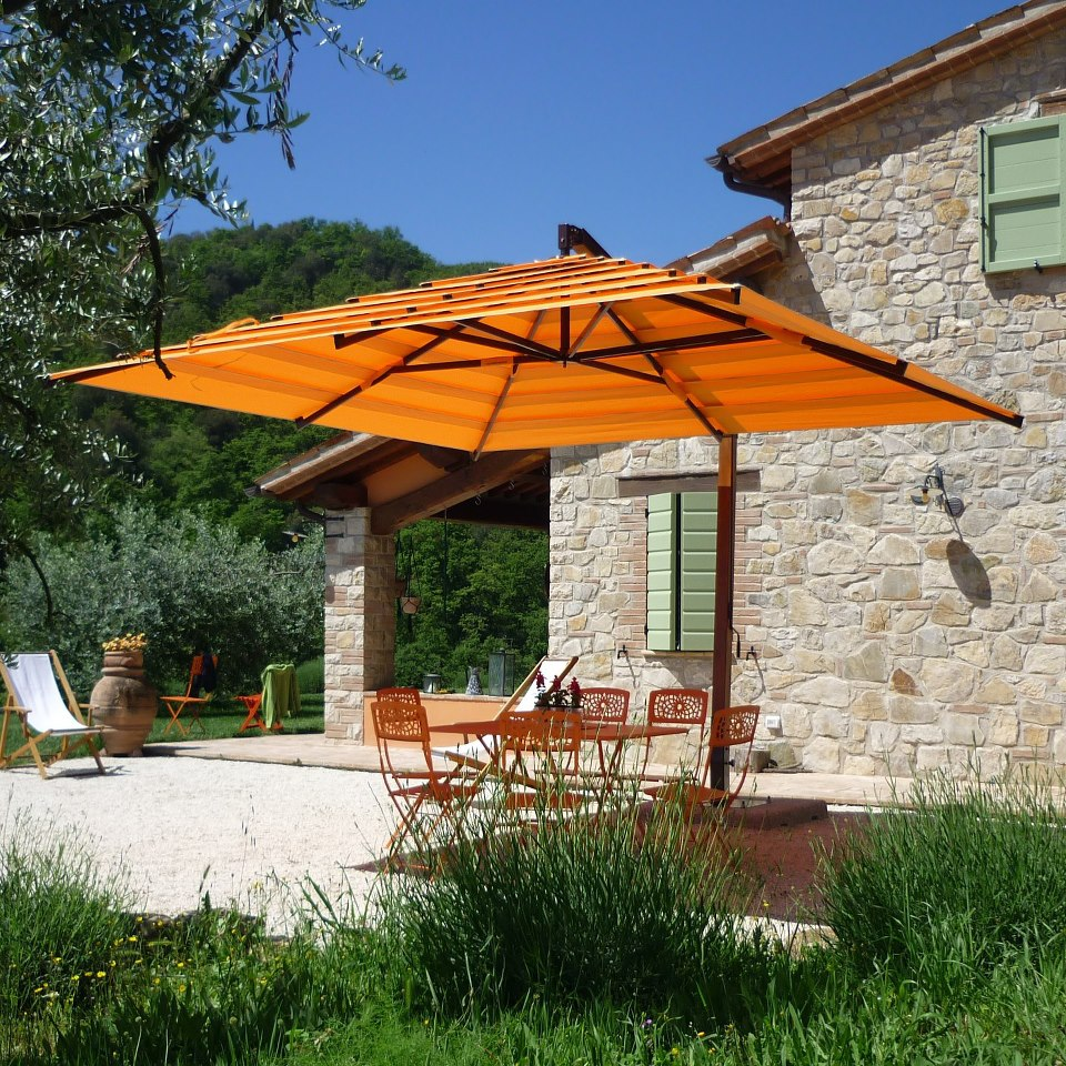 Image of: Luxury Offset Patio Umbrellas