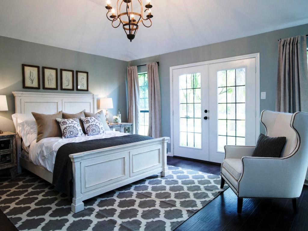 Image of: Master Bedroom Decorating Ideas With Dark Furniture