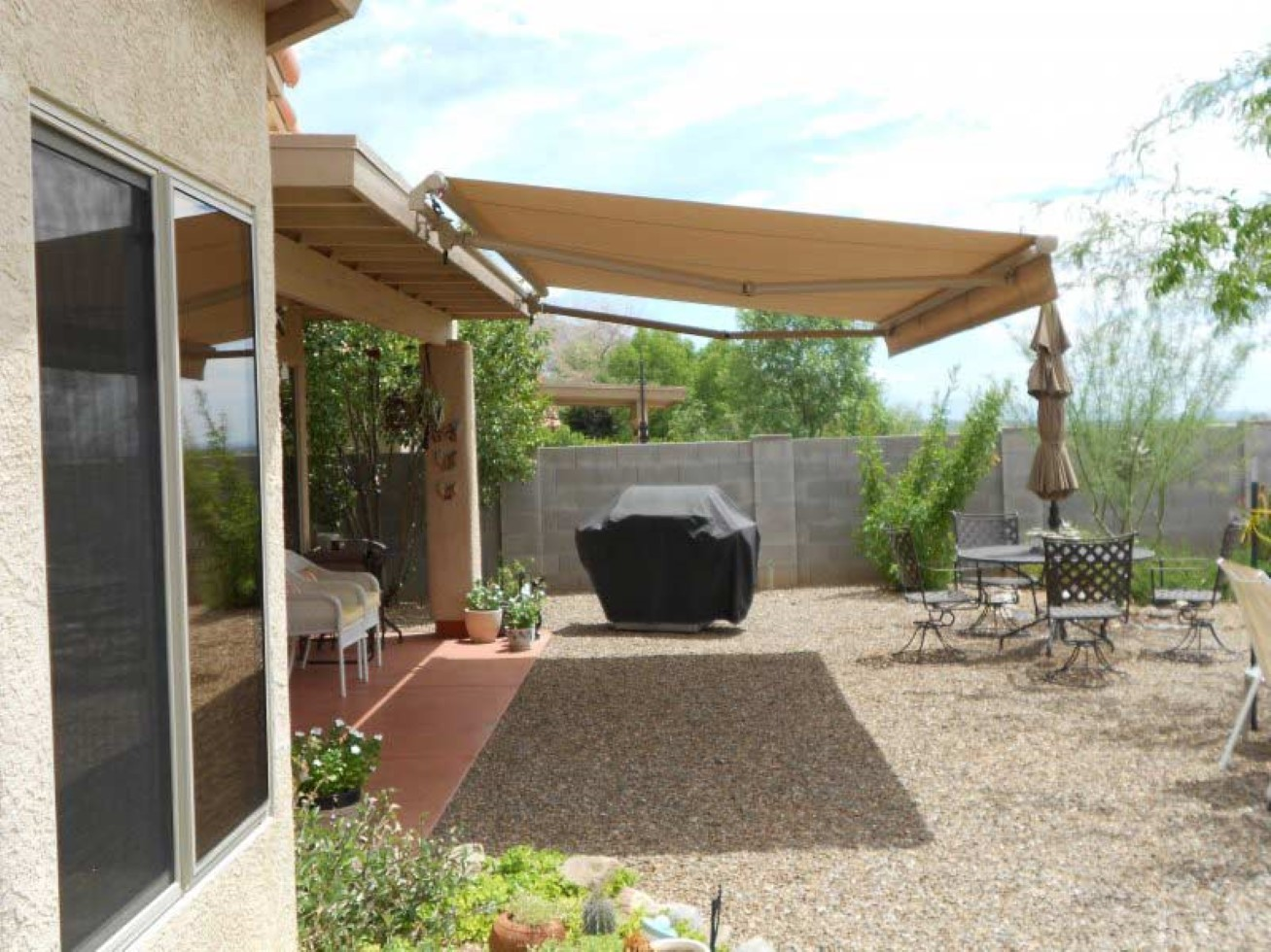 Image of: Modern Patio Sun Shades