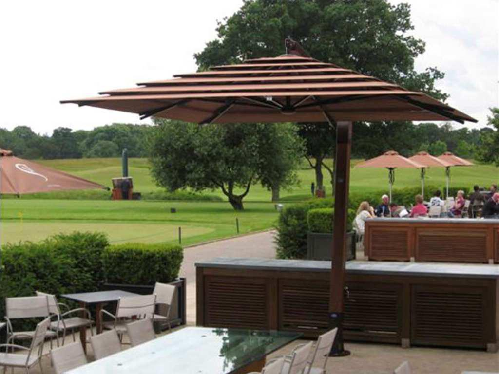 Image of: Nice Offset Patio Umbrellas
