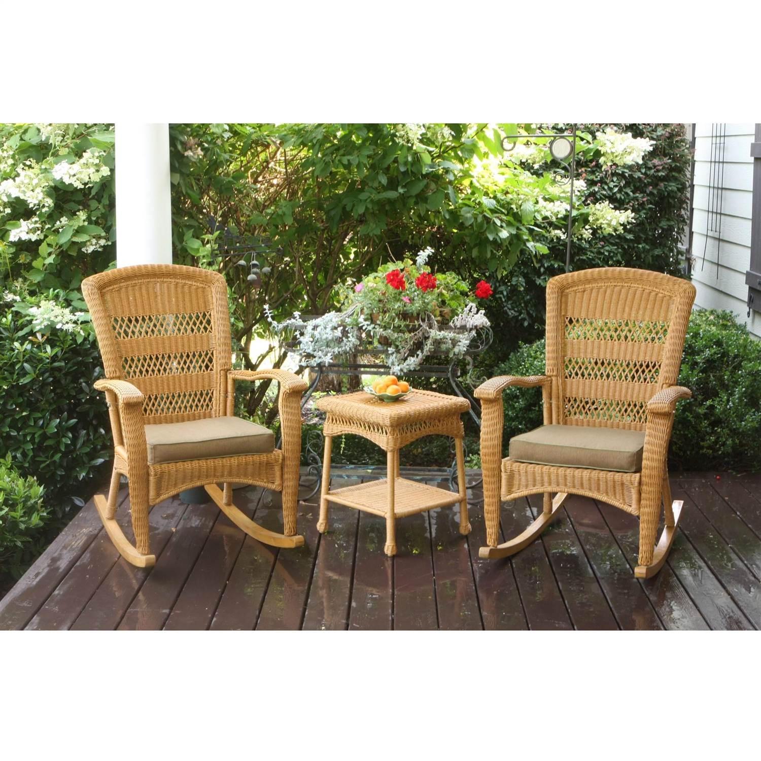 Image of: Outdoor Wicker Rocking Chairs Image