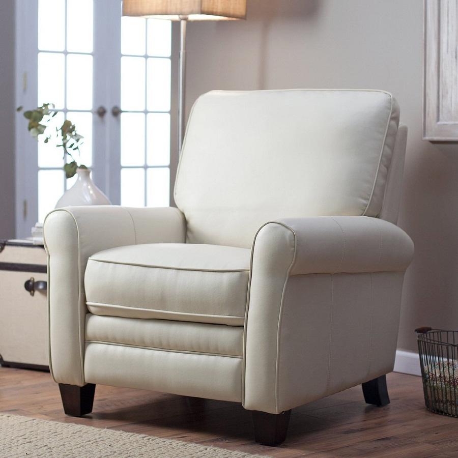 Image of: Oversized Recliner Chair Decor