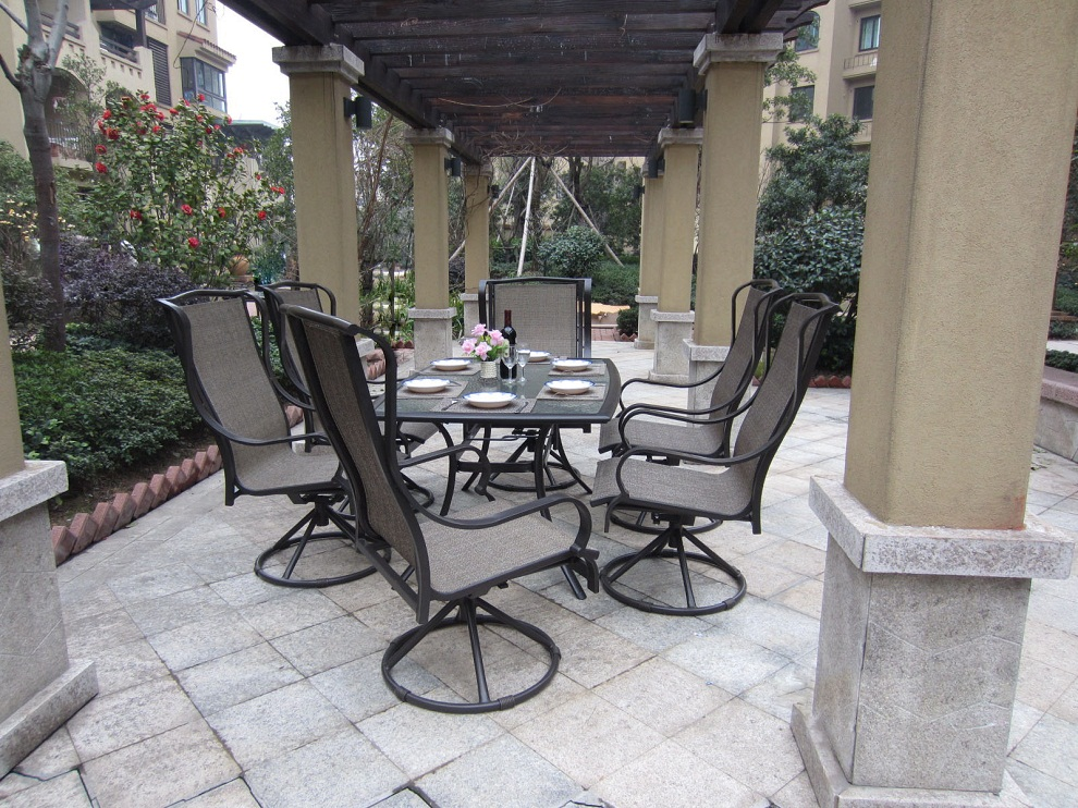 Image of: Patio Swivel Chairs Dining
