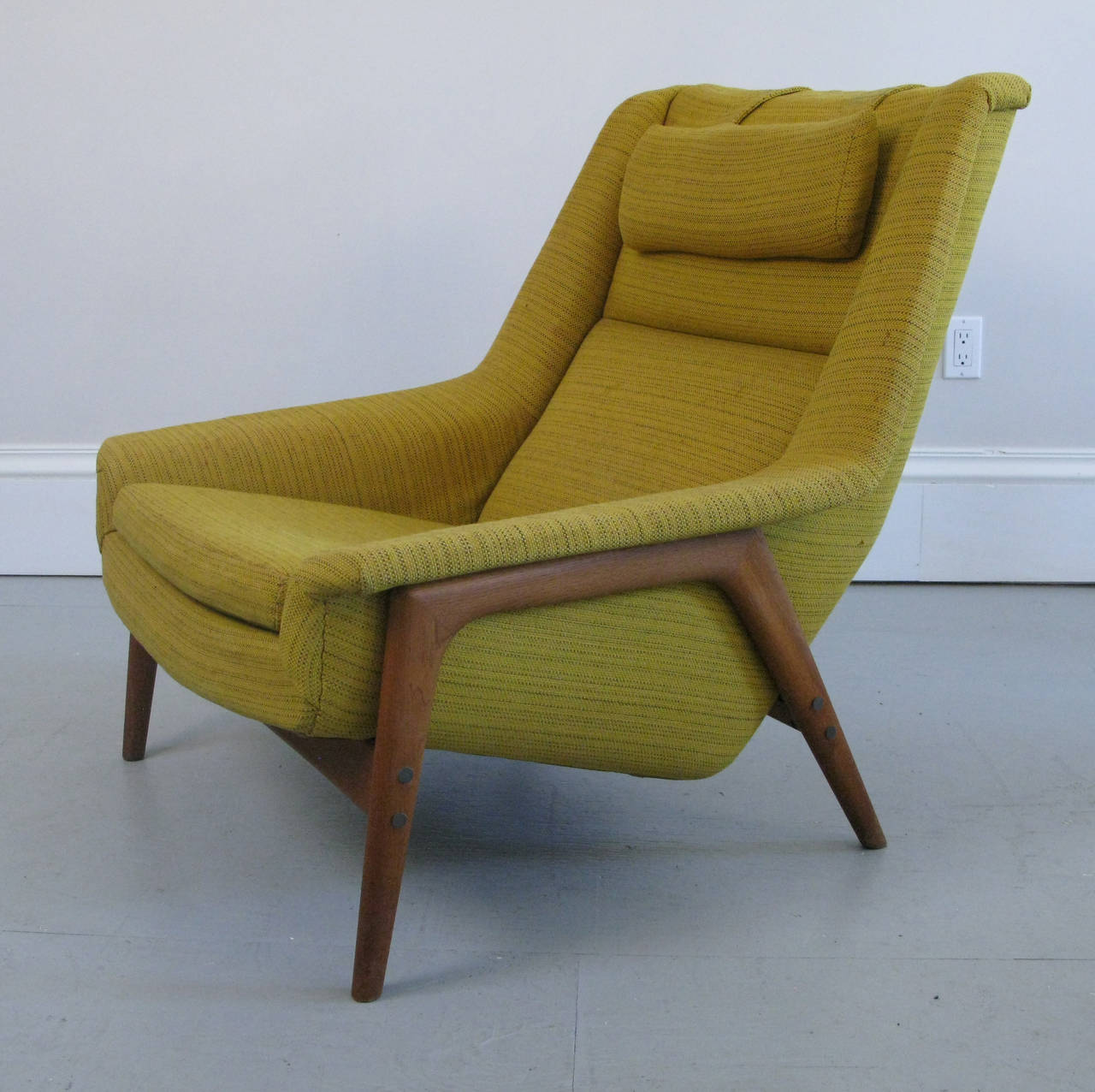 Image of: Photosm of Mid Century Lounge Chair