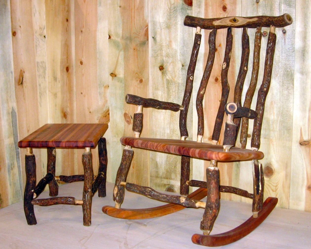 Image of: Popular Rustic Rocking Chairs