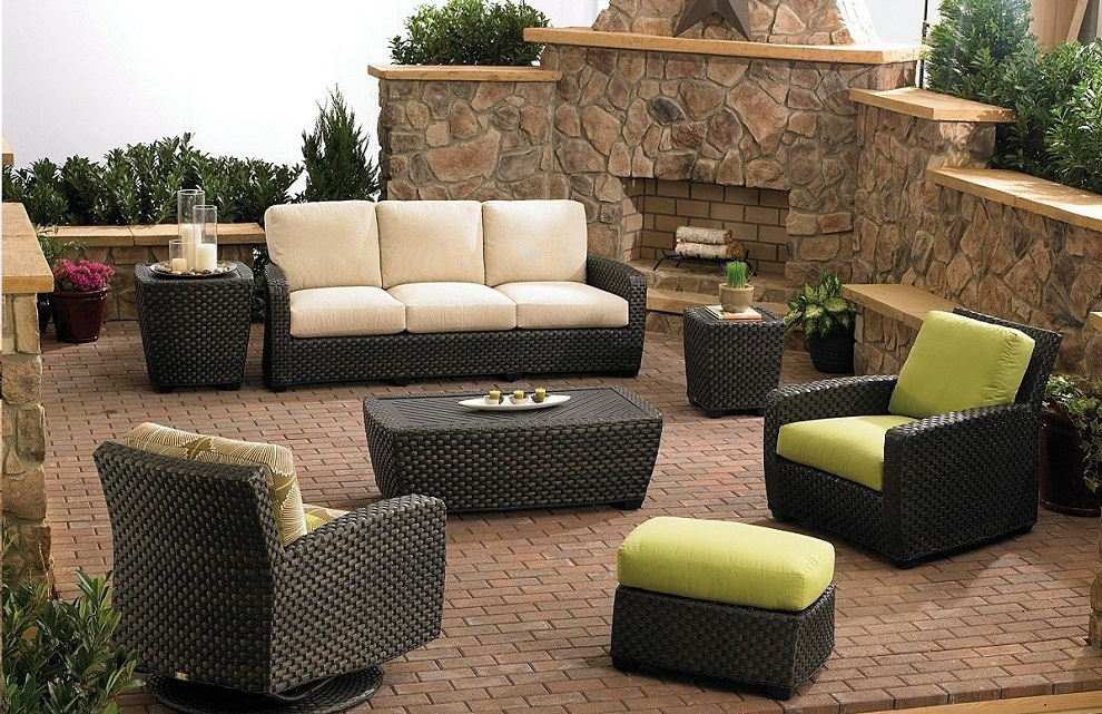Image of: Rattan Patio Swivel Chairs
