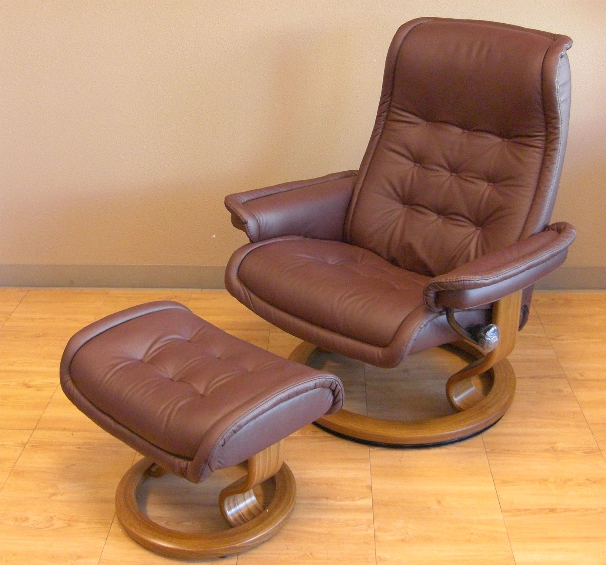 Image of: Recliner Massage Chair with Ottoman
