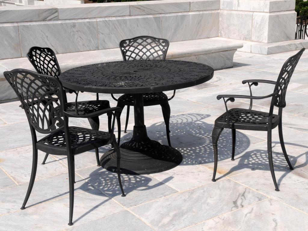 Image of: Rod Iron Patio Furniture