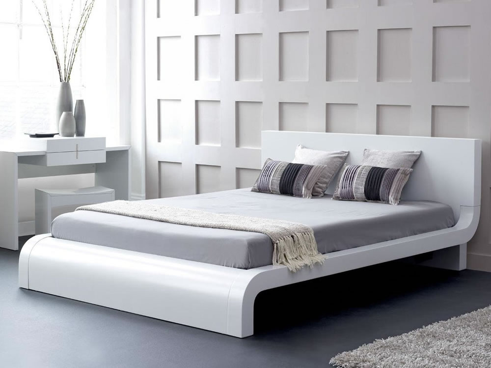 Image of: Roma Modern Platform Bed in Glossy White