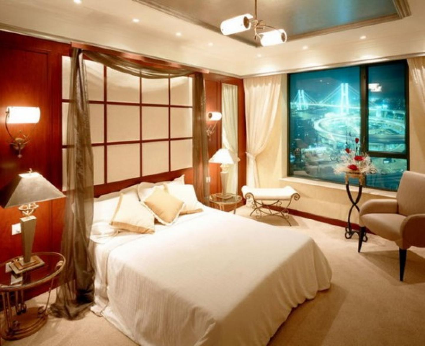 Image of: Romantic Master Bedroom Decorating Ideas For Style