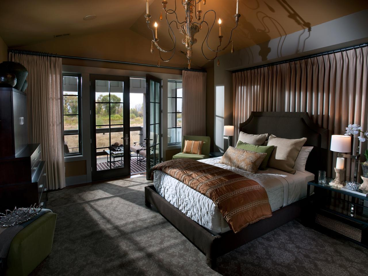 Image of: Rustic Master Bedroom Bedding